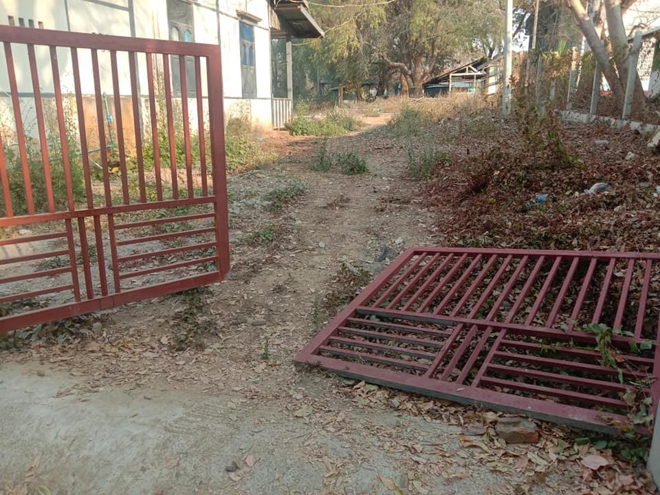 CDM တွင် ပါဝင်နေသည့် ဂန့်ဂေါခရိုင်ဆေးရုံအုပ်ကြီးနေအိမ်ကို ရဲအင်အား ၄၀ ကျော်ဖြင့် ဖျက်ဆီးရှာဖွေ